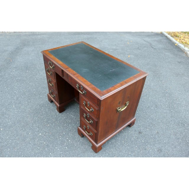 George III Mahogany Kneehole Desk - Image 4 of 11