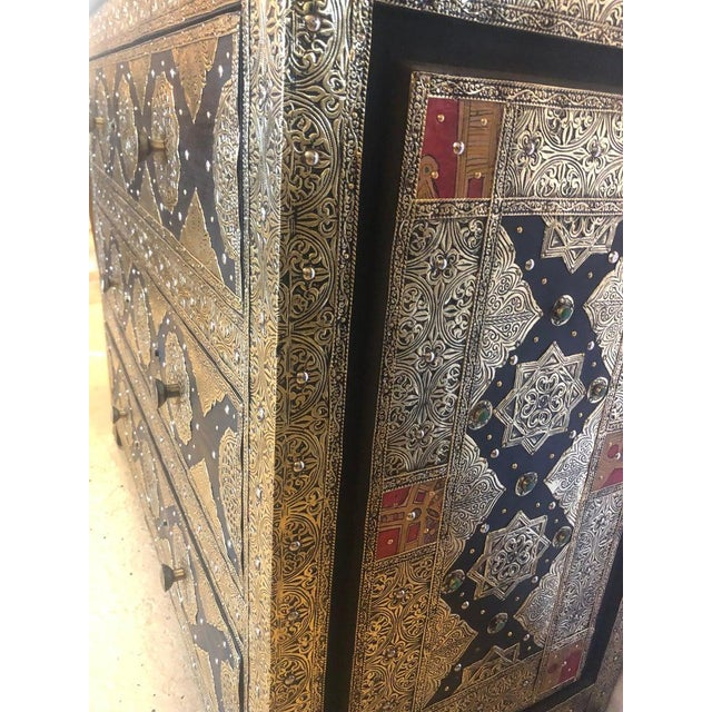 Black Pair Brass & Ebony Hollywood Regency Style Moroccan Commodes, Chests Nightstands For Sale - Image 8 of 13