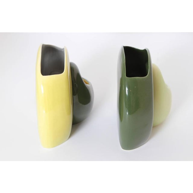 Ceramic Pair of Belle Kogan Patented Pairs Nesting Biomorphic Mid-Century Vases for Red Wing For Sale - Image 7 of 11