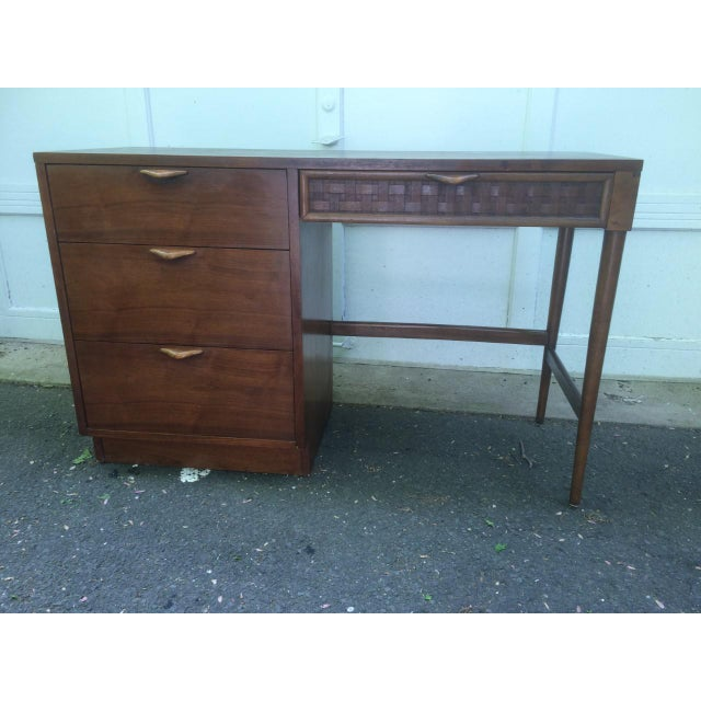 Mid-Century Modern Lane Mid-Century Desk For Sale - Image 3 of 7