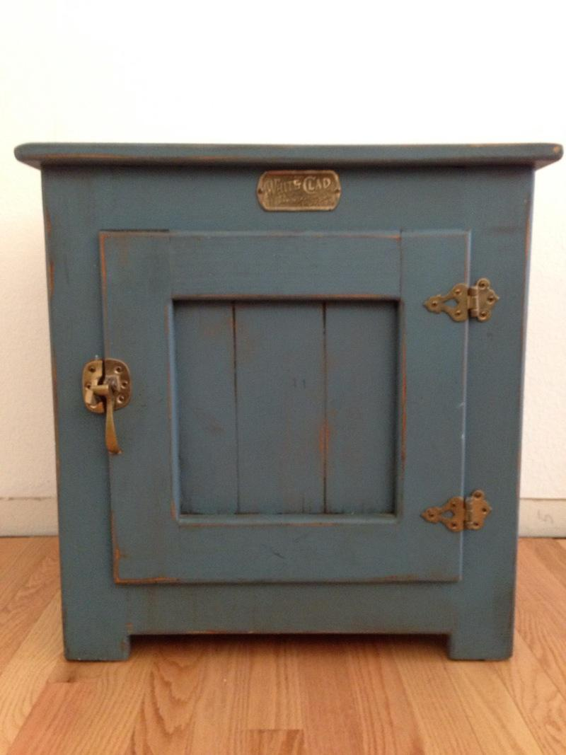 Vintage White Clad Blue Painted Ice Box   Image 2 Of 6