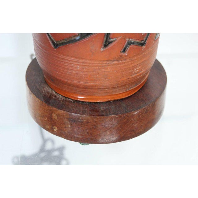 Rust Red Ceramic Table Lamp with Primitive Motif - Image 8 of 9