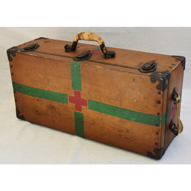 Circa 1940s Military Medical Suitcase w/ Cross For Sale - Image 11 of 11