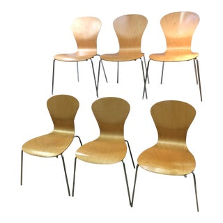 Mid-Century Style Knoll Sprite Stacking Chairs - Set of 6 For Sale