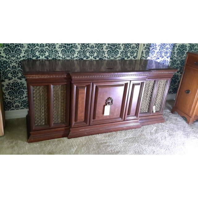 Amazing Fisher president console stereo in excellent condition The walnut wood is beautiful.