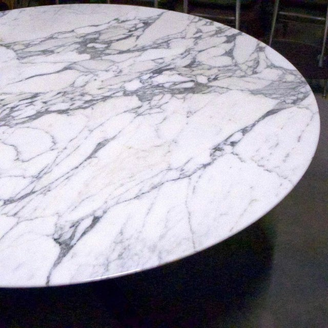 "Contemporary Nicos Zographos Round Carrara Marble ""Alpha"" Dining or Conference Table For Sale - Image 3 of 13"