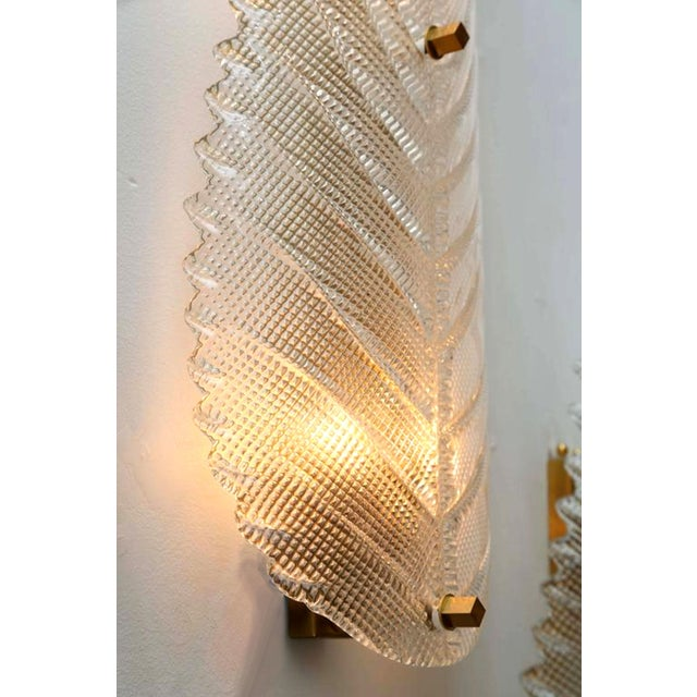 1970s Pair of Large Mid Century Modern Murano Textured Clear Glass Leaf Sconces For Sale - Image 5 of 6