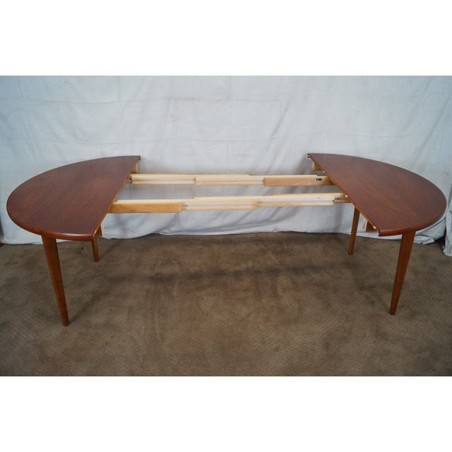 Vintage Round Teak Danish Dining Table For Sale In Philadelphia - Image 6 of 10