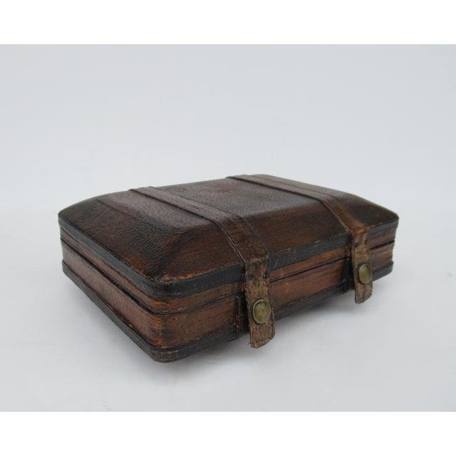 Vintage Italian Tooled Leather Gentlemen's Traveling Hand-Held, Lidded Valet Box For Sale - Image 13 of 13