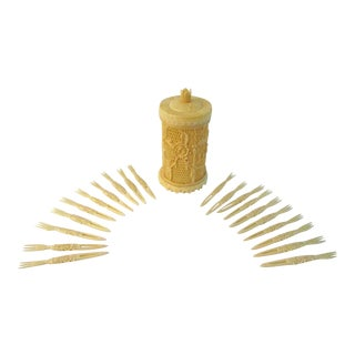 Mid-Century Faux Ivory Plastic Cocktail Forks W/ Holder, 21 Pcs For Sale