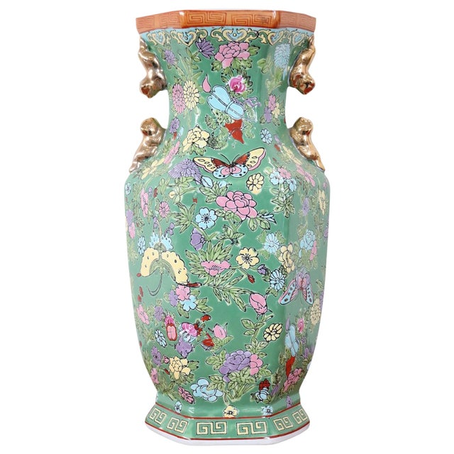 20th Century Chinese Vintage Artistic Vase in Ceramic Green and Floral Motifs For Sale
