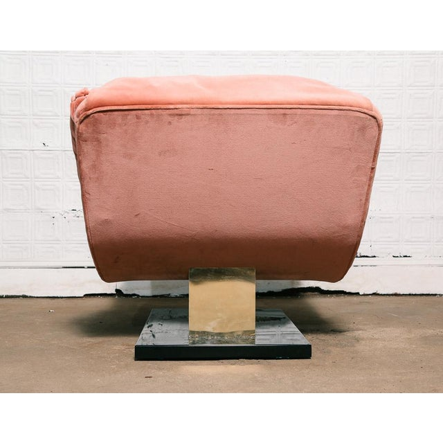 Pink Velvet and Brass Chaise Longue For Sale - Image 4 of 10