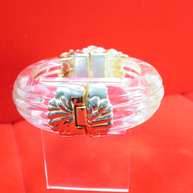 Inna Cytrine Paris Massive Runway Lucite Gilded Hinged Bangle Bracelet, 1980s For Sale - Image 11 of 13
