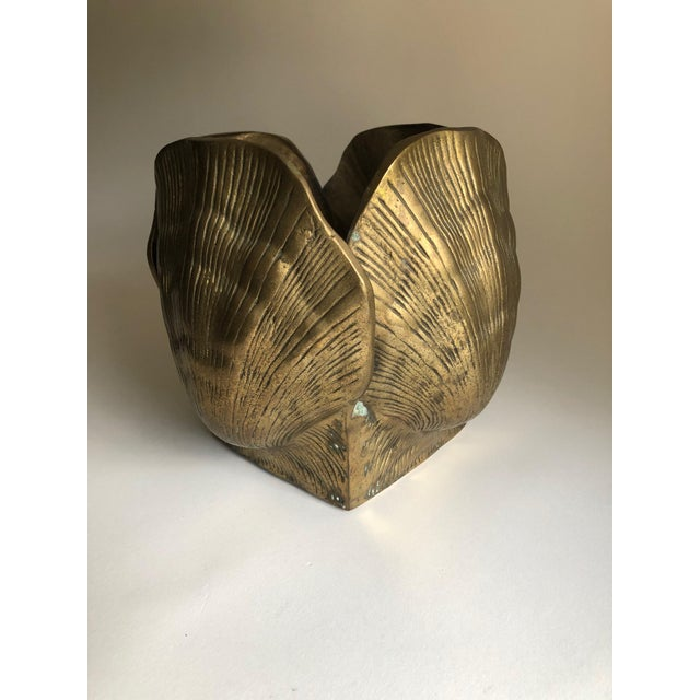 Large and weighty solid brass scallop shell planter. Shows rich patina throughout, no denting nor damage.