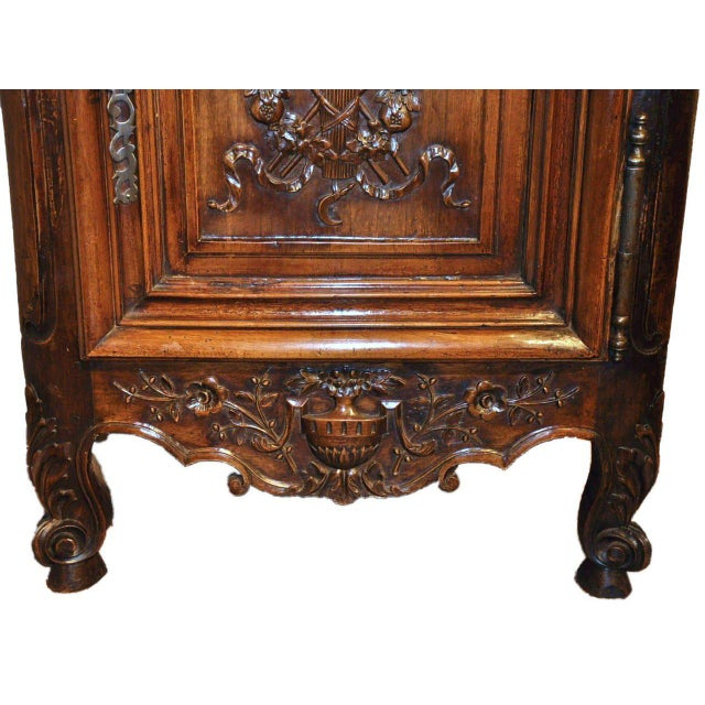 Wood 19th Century Louis XV French Carved Walnut Homme-Debout Cabinet For Sale - Image 7 of 7