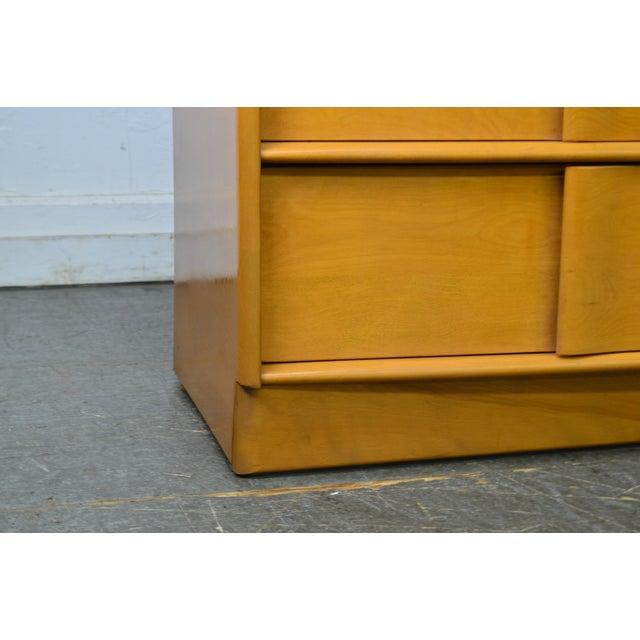 1940s Heywood Wakefield Sculptura Mid Century Modern Maple 6 Drawer Dresser For Sale - Image 5 of 13