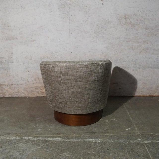 Milo Baughman Milo Baughman Swivel Chair For Sale - Image 4 of 7