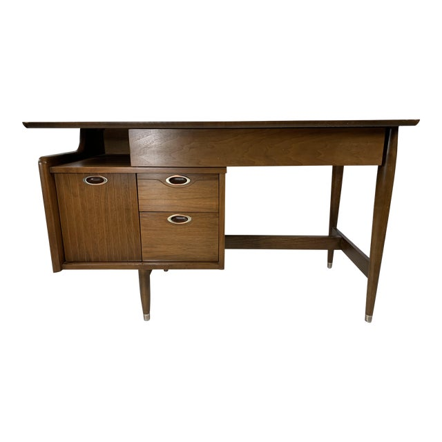 "1950s Mid Century Modern Hooker Furniture ""MainLine"" Writing Desk For Sale"