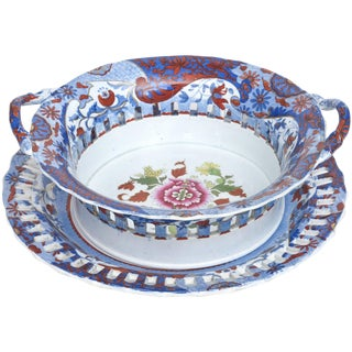 Antique English Chestnut Basket or Centerpiece and Underplate, Spode, Circa 1820 For Sale