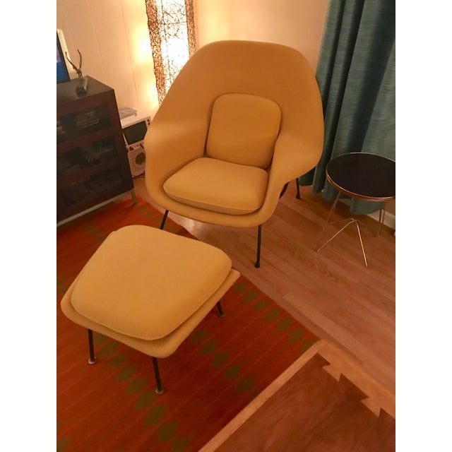 Eero Saarinen for Knoll Womb Chair & Ottoman - Image 9 of 10