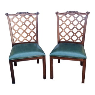 Pair 1990s Mahogany Chinese Chippendale Style Dining Room Side Chairs W/ Leather Seats For Sale