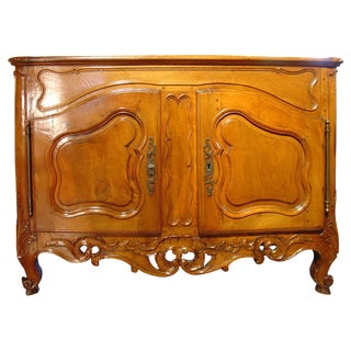 Exceptional Period Louis XV Walnut Wood Nimoise Buffet, circa 1750 For Sale