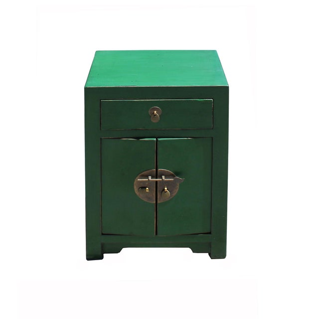Chinese Oriental Distressed Green Lacquer Side End Table Nightstand For Sale - Image 4 of 7