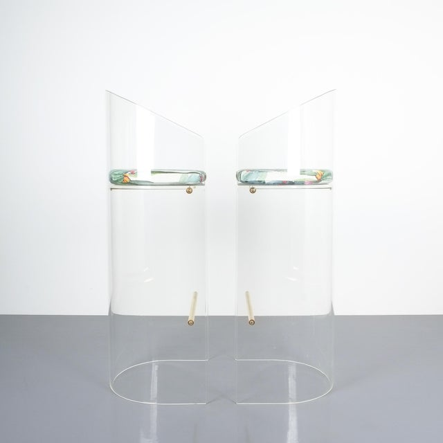 Pair of Lucite Brass Bar Stools Style Charles Hollis Jones, 1960 For Sale - Image 6 of 13