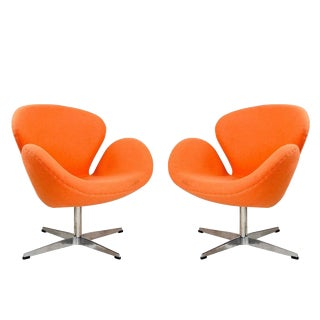 Pair Arne Jacobsen Swan Chairs For Sale