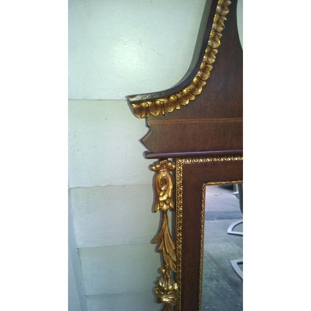 Chippendale Vintage Federal Style Banded Mahogany Gold Gilt Frame Mirror For Sale - Image 3 of 5