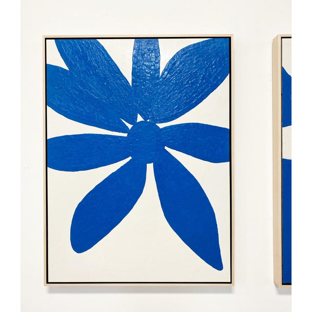 "Encaustic Exclusive John O'Hara ""Big Blue Daisy"" Encaustic Paintings - 2 Panels For Sale - Image 7 of 9"