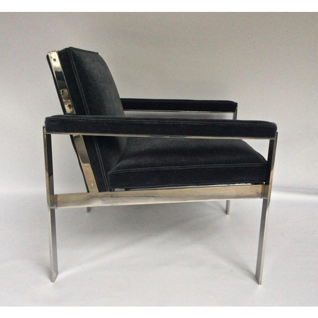 Pair of custom lounge armchairs made by Knoll in the late 1960s, early 1970s, in the manner of Milo Baughman. All totally...