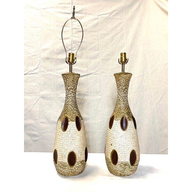 Stunning Leviton Mid Century Modern Ceramic Pottery Table Lamps - a Pair For Sale - Image 13 of 13
