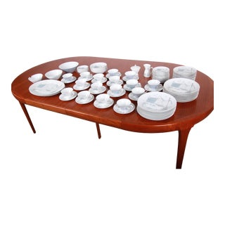 Raymond Loewy for Rosenthal Mid-Century 102-Piece China Set For Sale