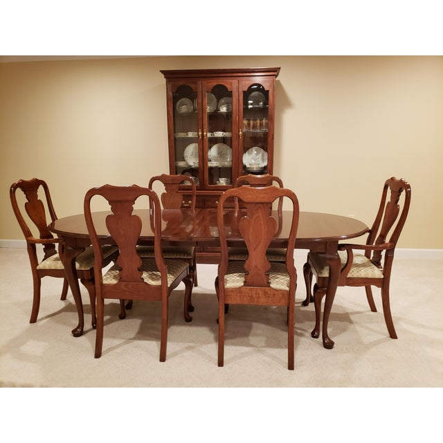 Brown Stickley Queen Anne Solid Cherry Dining Set For Sale