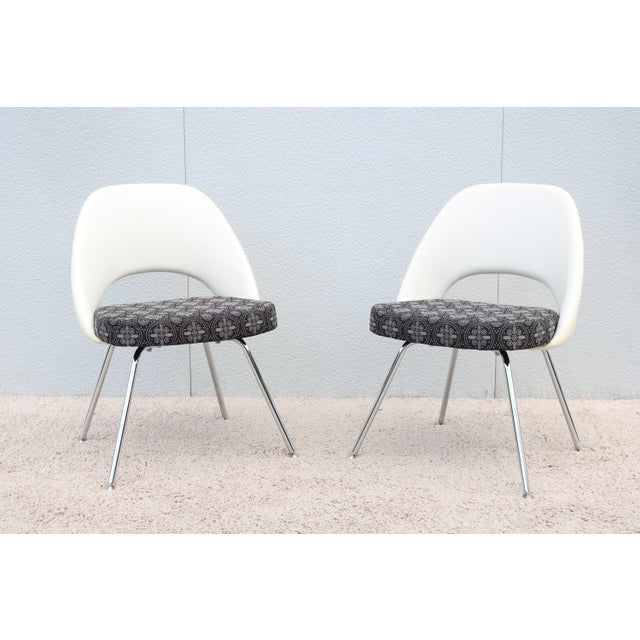 Mid-Century Modern Mid-Century Modern Eero Saarinen for Knoll Executive Armless Chairs - a Pair For Sale - Image 3 of 13