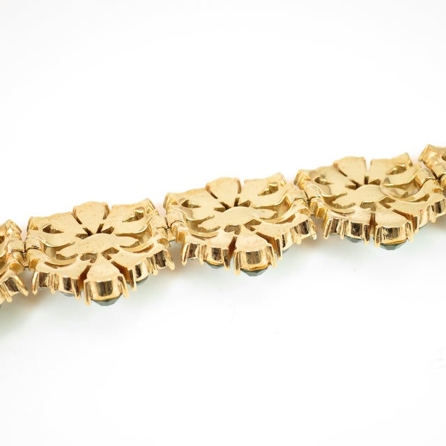 Crown Trifari Alfred Philippe Gilded Rhodium Bracelet EmErald Crystals 1950s For Sale - Image 10 of 13