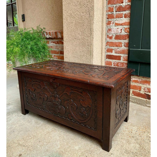 reputable site 32624 314f3 Antique English Carved Wood Blanket Box Chest/Coffee Table