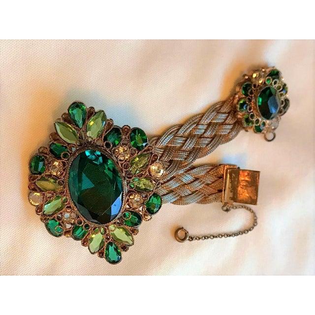 1940s Hobé Emerald Green Jeweled Bracelet For Sale In Los Angeles - Image 6 of 7