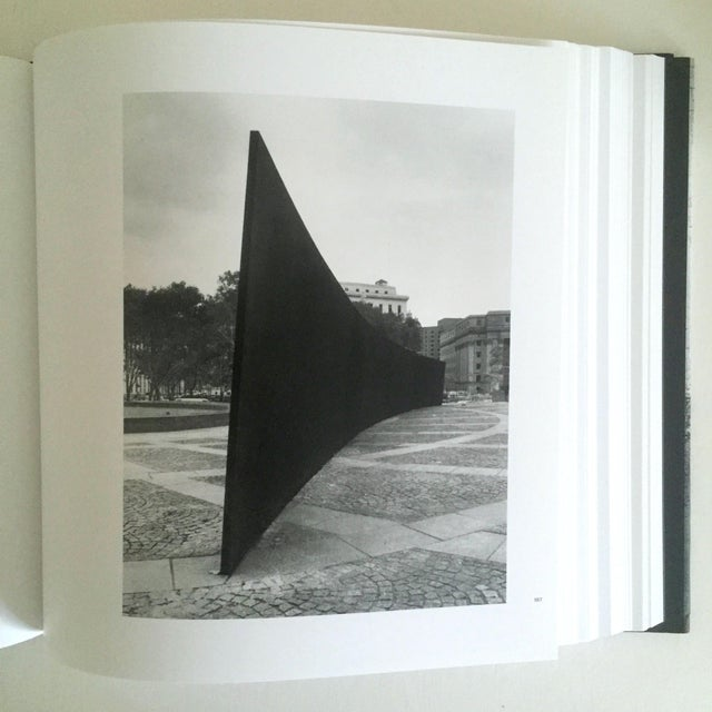"""""""Richard Serra Sculpture : Forty Years """" Rare Moma Exhibition Hardcover 1st Edtn Book For Sale - Image 9 of 10"""
