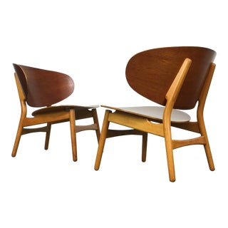 Pair of Lounge Shell Chairs by Hans Wegner for Fritz Hansen For Sale