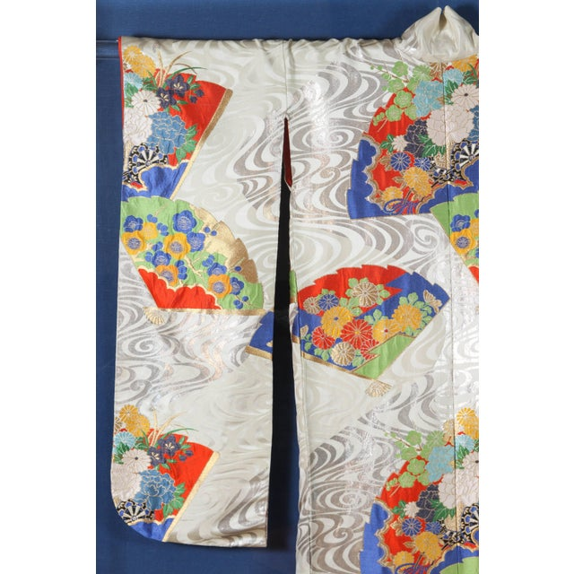 Japanese Ceremonial Kimono Framed in a Lucite Box For Sale In Los Angeles - Image 6 of 7