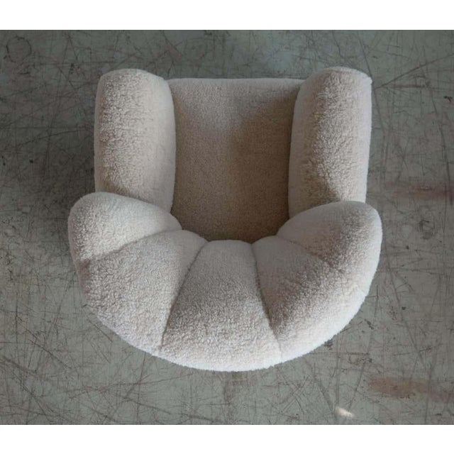 Large Size Club Chair in Lambswool Model 1518 by Fritz Hansen, Denmark, 1940s For Sale In New York - Image 6 of 10