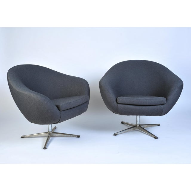 Black Overman Pod Swivel Chairs - A Pair For Sale - Image 8 of 8