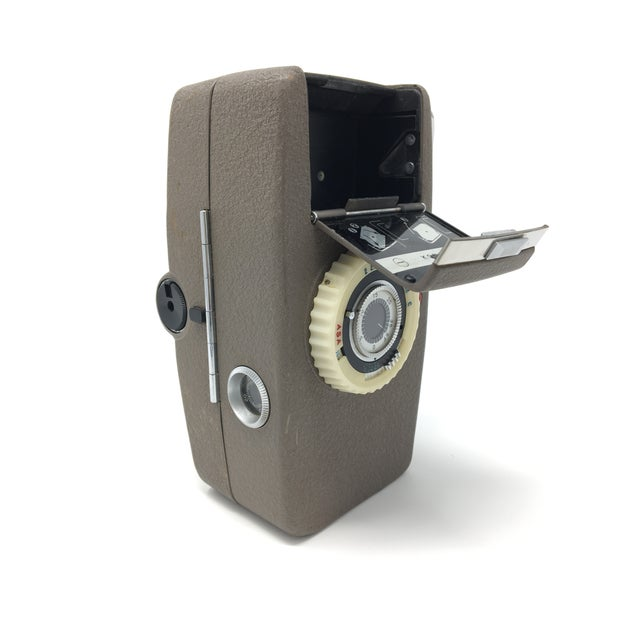 1960s Vintage Konica Zoom S II 8mm Movie Camera For Sale - Image 5 of 7