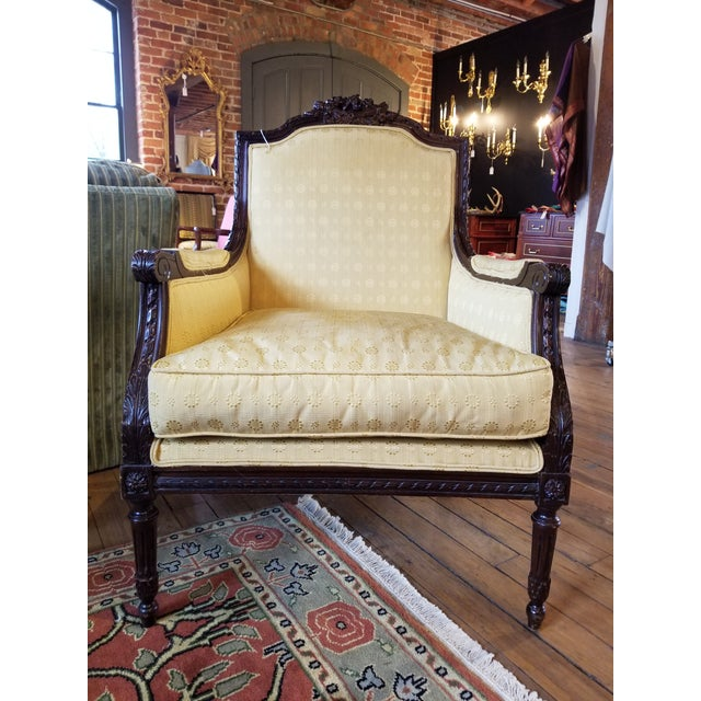 Wood Early 20th Century Waldorf Astoria Ornately Carved Mahogany Bergere For Sale - Image 7 of 9