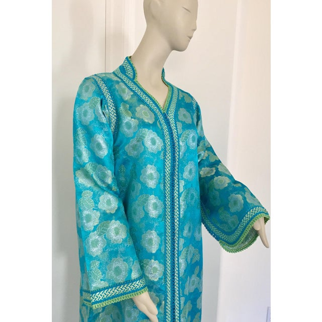 1970s Moroccan Kaftan in Turquoise and Gold Floral Brocade Metallic Lame For Sale - Image 5 of 12