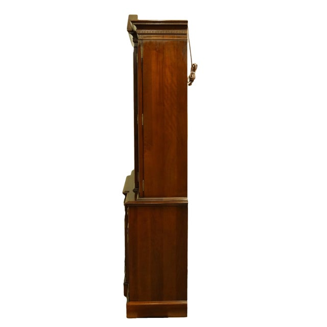 Link Taylor Furniture Solid Mahogany Chippendale Traditional Breakfront Display China Cabinet For Sale - Image 9 of 13