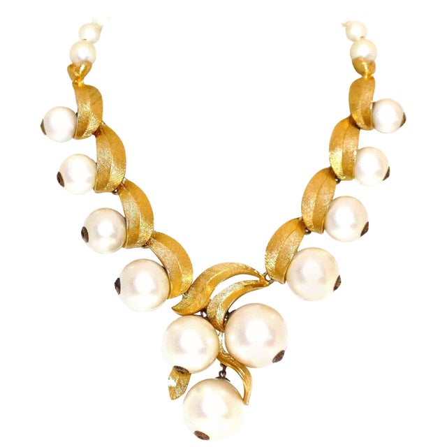 1960 Faux-Pearl Necklace For Sale In Los Angeles - Image 6 of 7