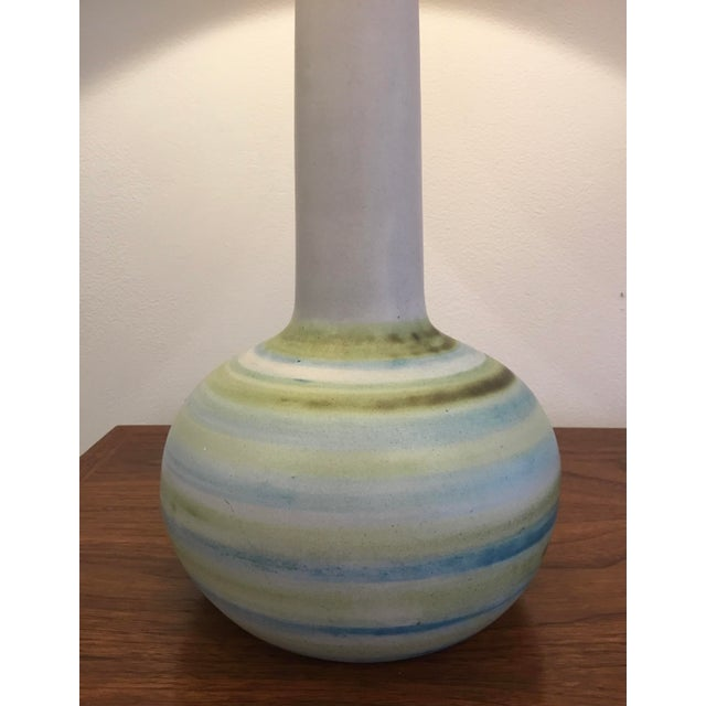 1960s Mid-Century Modern Ceramic Table Lamp by Martz For Sale - Image 5 of 11